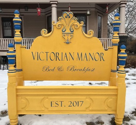 Victorian Manor Sign